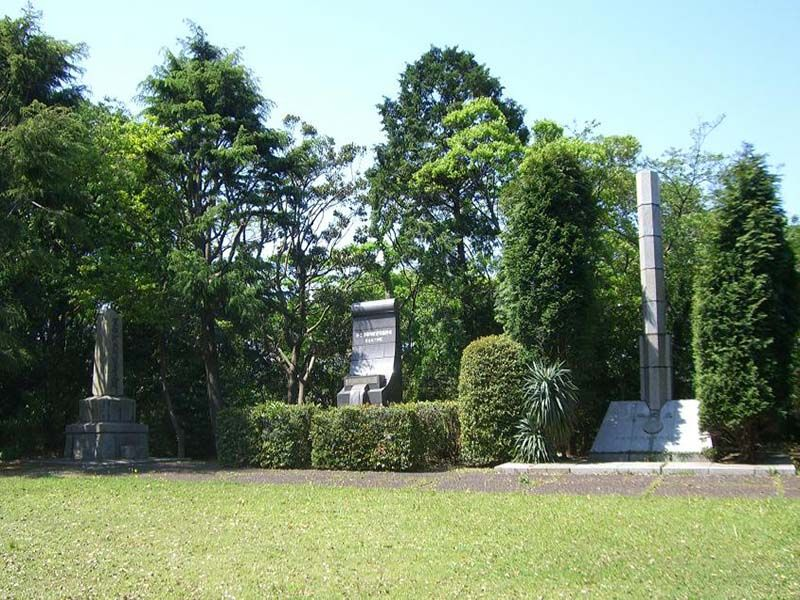 横須賀市営 馬門山墓地 様々な供養碑