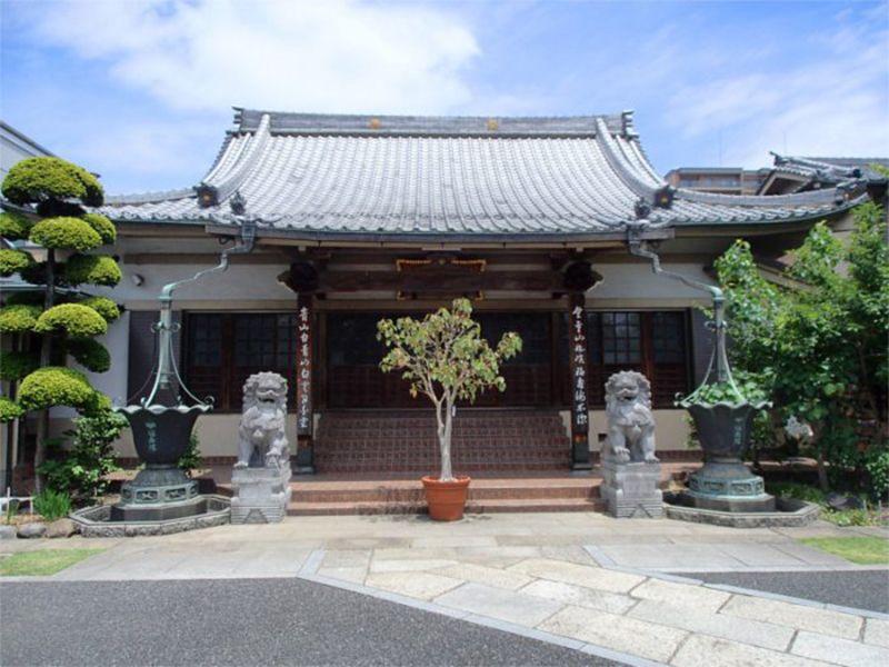 隅田川せせらぎ霊園 厳かな雰囲気の福寿院本堂