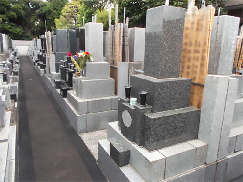 霊梅院墓苑