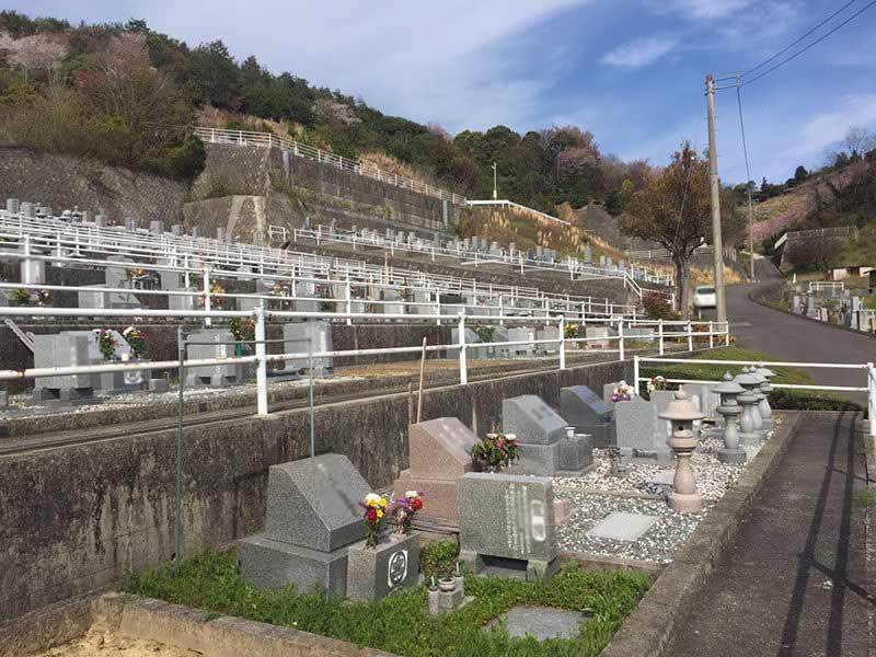 丸亀市営 十三塚墓地