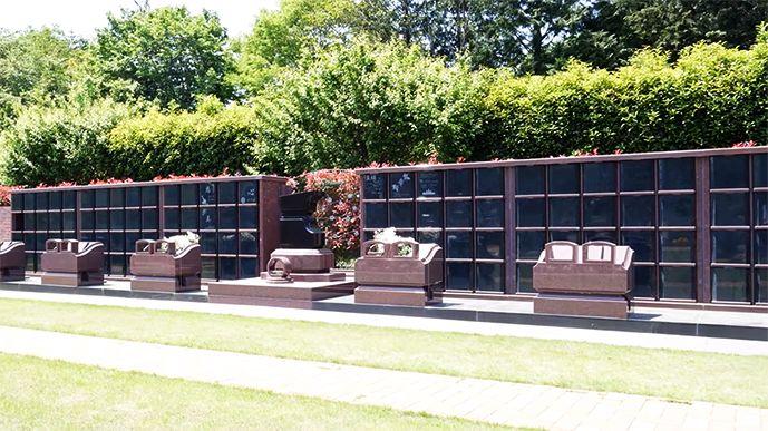 ヒューマンメモリー梅郷「ヒューマンエタニティ」(永代供養墓) 明るい雰囲気の永代供養墓