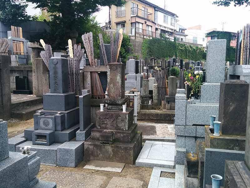 宗興寺 手入れが行き届いた墓地