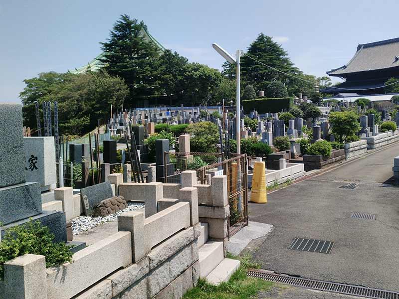 大本山 總持寺(総持寺) 様々な色の墓石