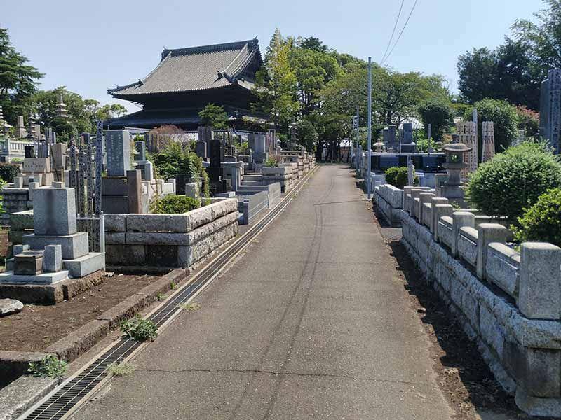 大本山 總持寺(総持寺) 緑に囲まれた園内