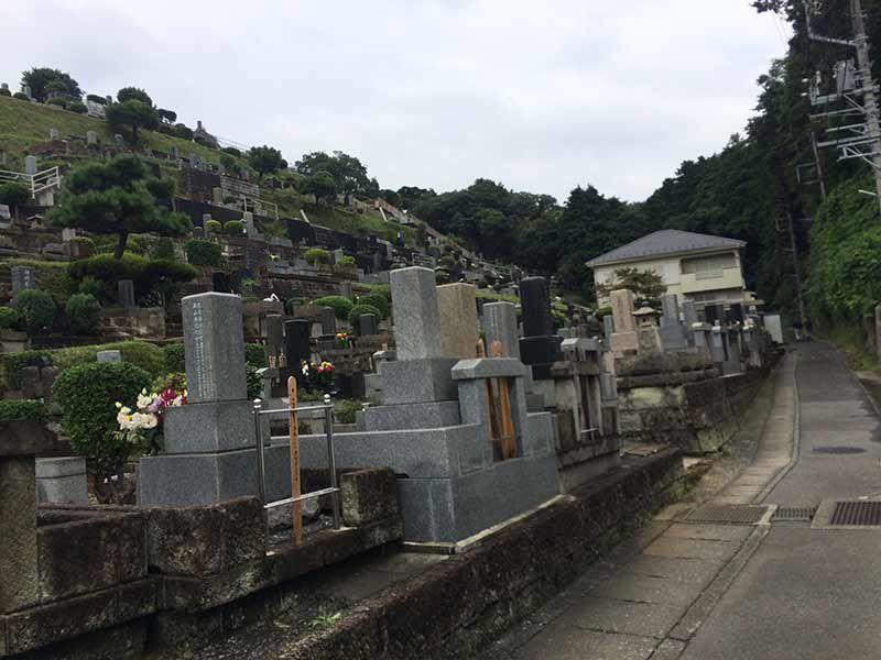 東光寺 墓地内風景