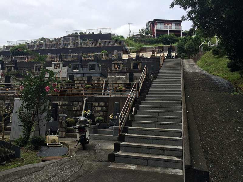 東光寺 墓域周りにある柵