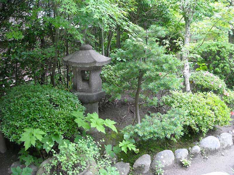 龍峰院 手入れされた庭園風景