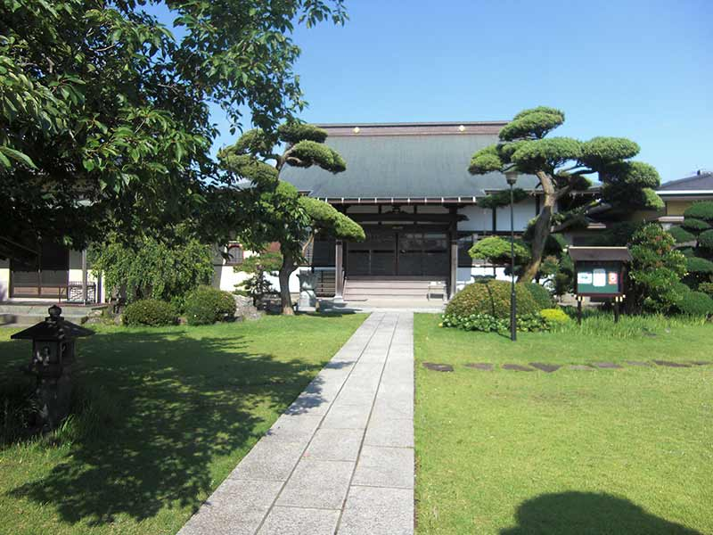 玄珊墓苑 寺院の周りの庭園