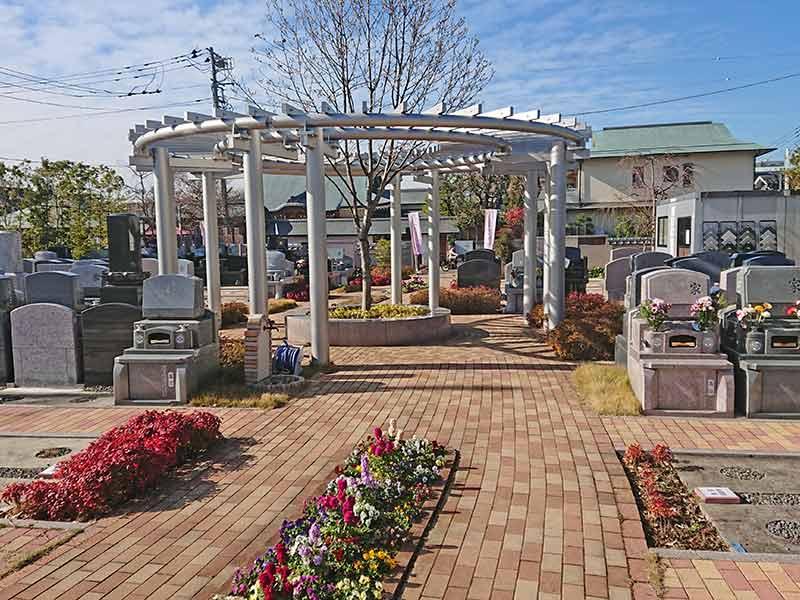 世田谷やすらぎ墓苑 花壇葬セレナージュ 手入れが行き届いている墓域