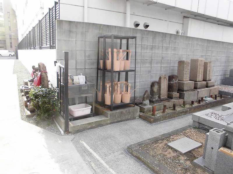 梅松山墓苑