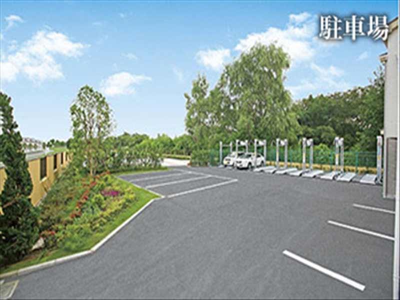 メモリアルグリーン昭島 広い駐車場