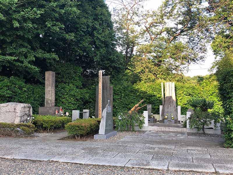 日蓮宗大本山 長栄山 池上本門寺 寺庭に建立された供養碑