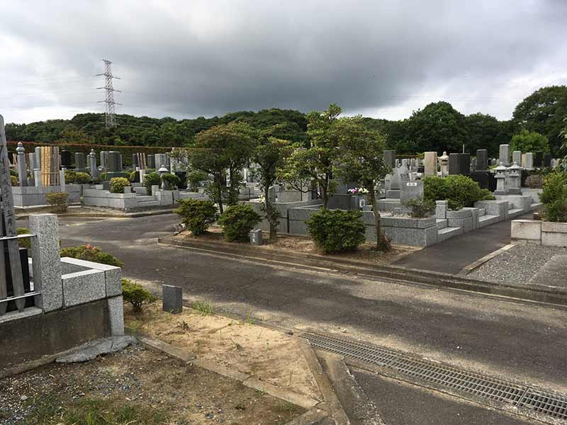 グリーンパーク新町田霊園 平坦な墓域で車いすでも安心してお参りできます