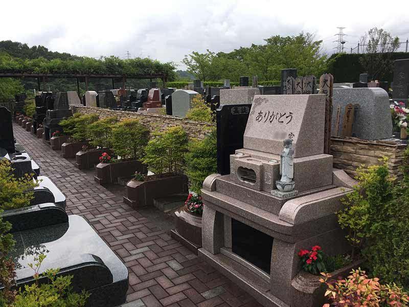 合掌の郷 町田小野路霊園 バリアフリー設計なのでどなたでも安心してお参りできる墓域
