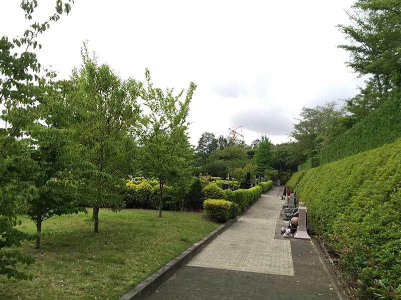 合掌の郷 町田小野路霊園 緑豊かな園内風景