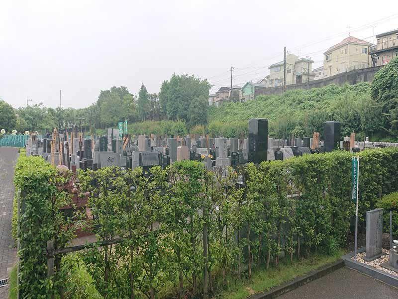 梅花の郷 光明浄苑 緑の多い霊園風景①