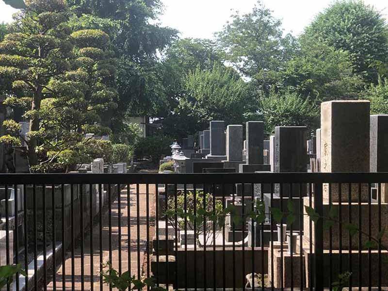西嶺浄苑 さくら観音 木々に囲まれた墓域