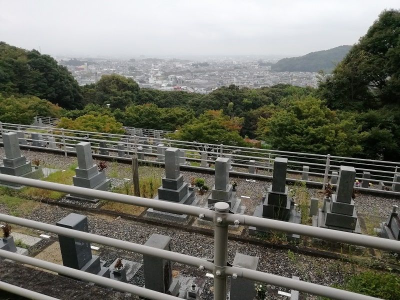 御油霊園にあるお墓から見える風景