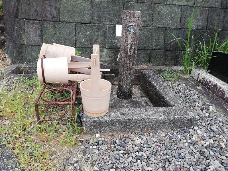 御油霊園の水桶と水場