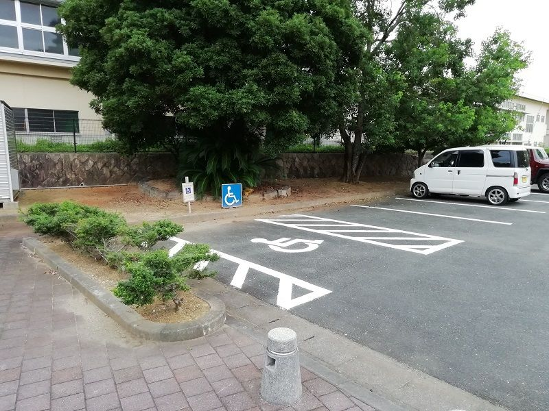 御油第二墓園の駐車場