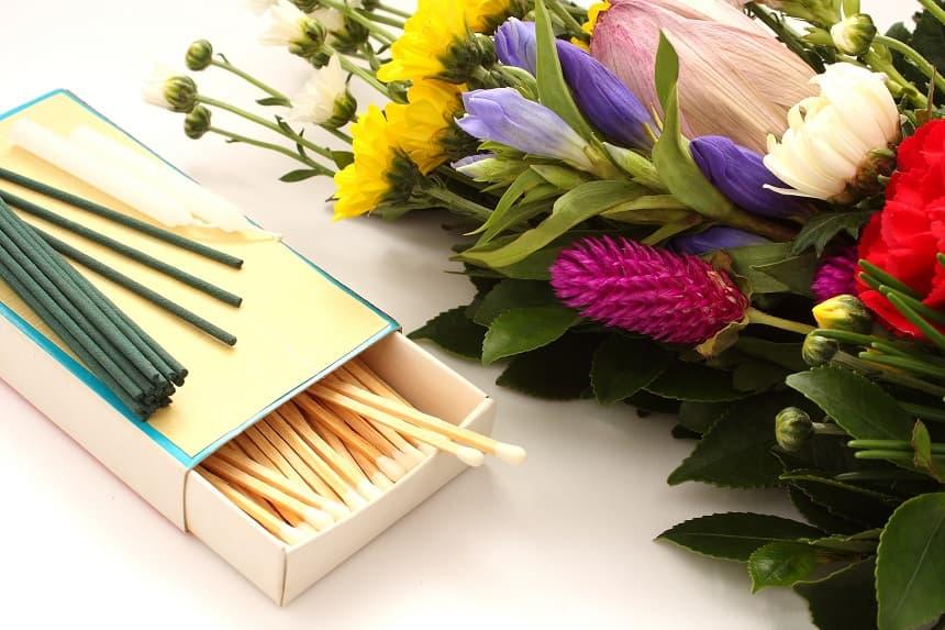 供花と線香
