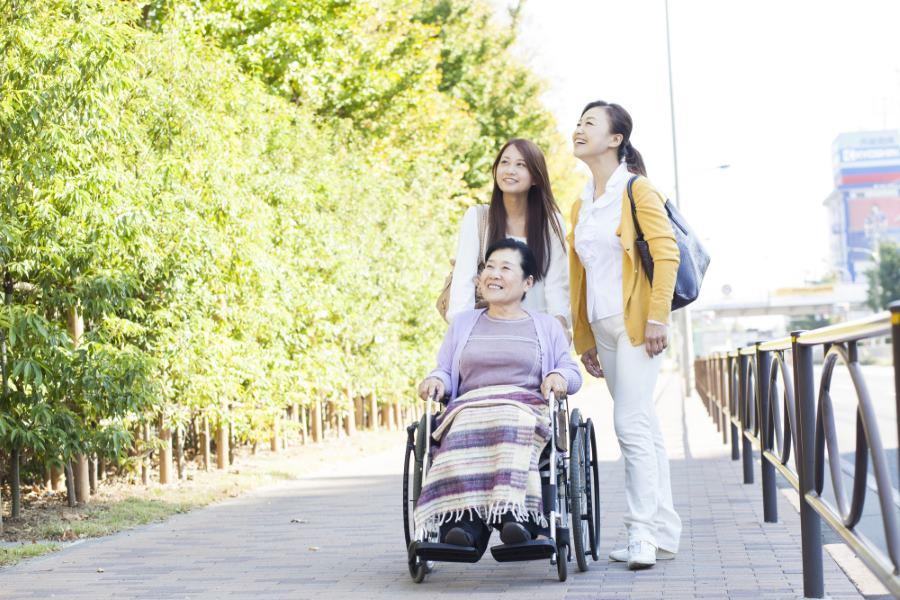 三世代、親子、車椅子