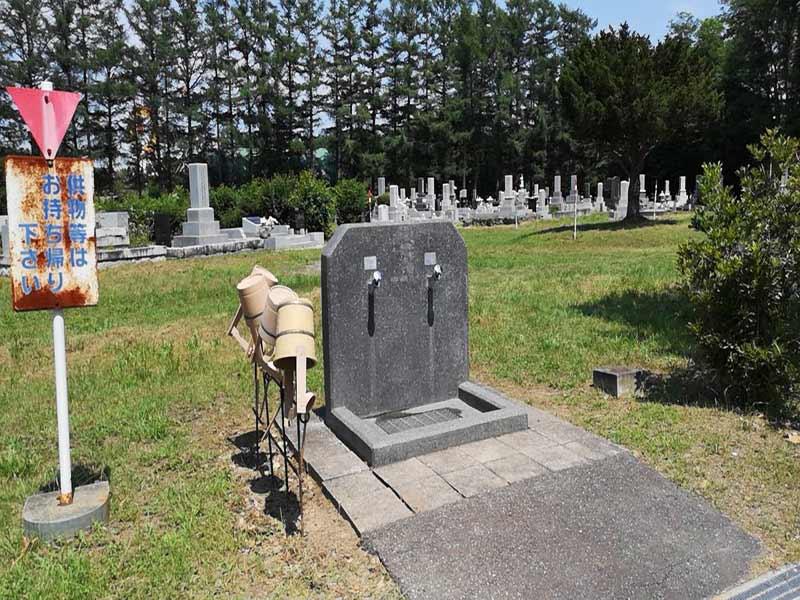 帯広市緑ケ丘墓地 水汲み場