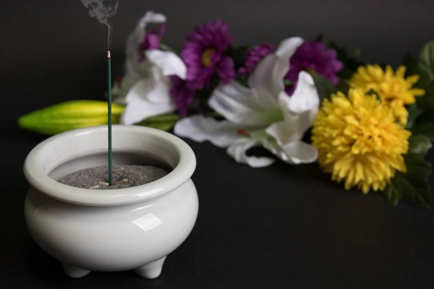 線香と仏花