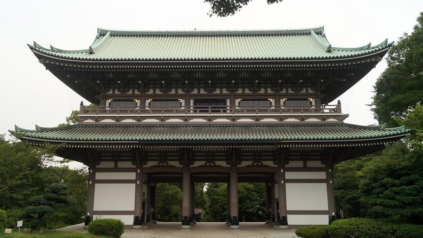 曹洞宗本山の総持寺の三門