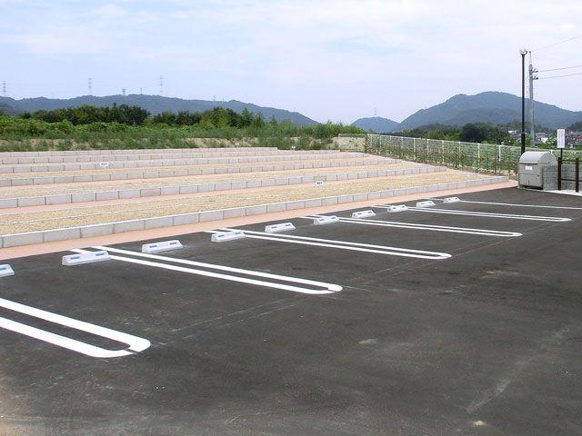 小川中央霊園の駐車場