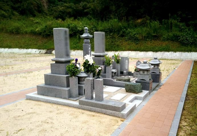岡山市営 みつメモリアルパーク 和型墓石の建墓例