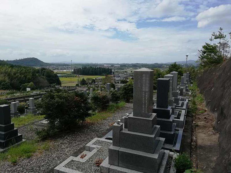 金沢霊園路から見える風景