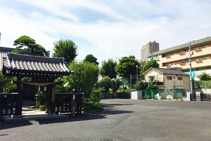 恵光メモリアル新宿浄苑の駐車場