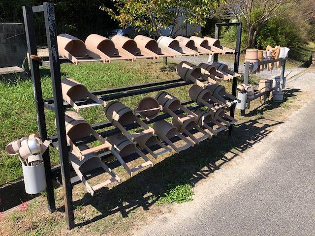 五色園墓地の水場道具置き