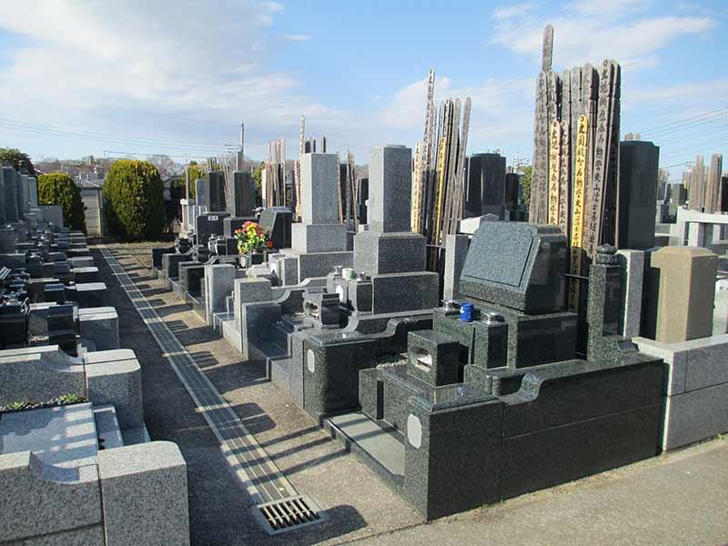 知楽院 区画整備された墓域