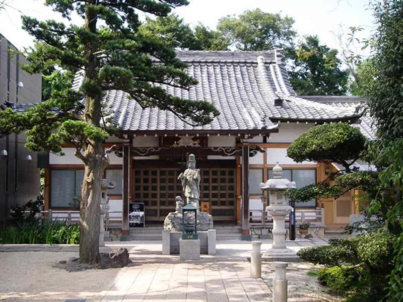 東福寺墓苑 本堂と慈母観音像