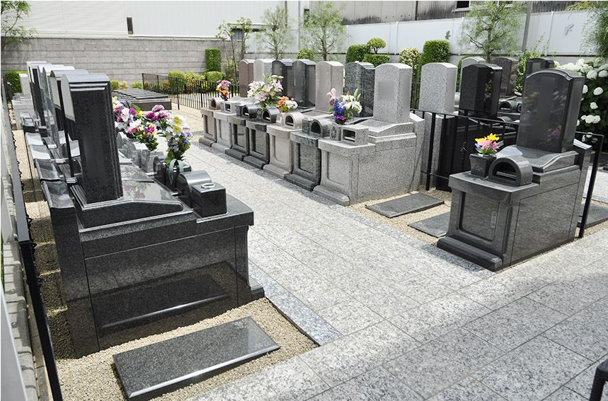 川口元郷聖地の墓地風景