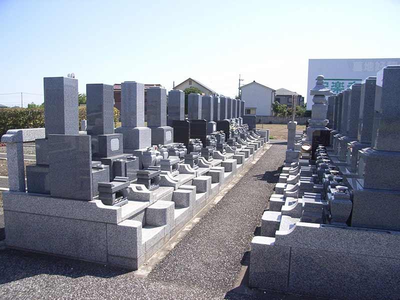 安楽寺 区画整備された墓域
