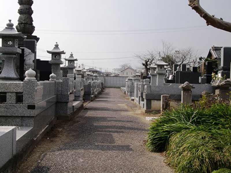 宝光院 広々とした墓域