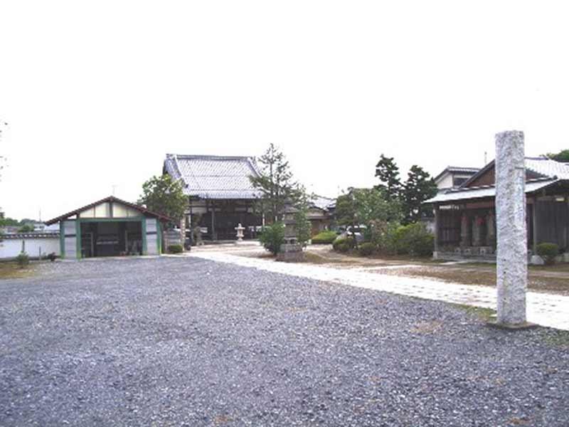 長光寺 広々とした敷地
