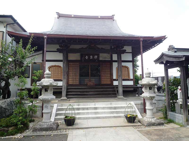 浄泉寺 荘厳な佇まいの本堂