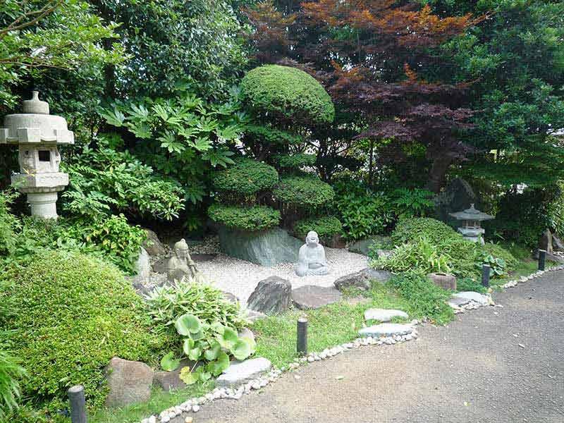 浄泉寺 境内にある庭園