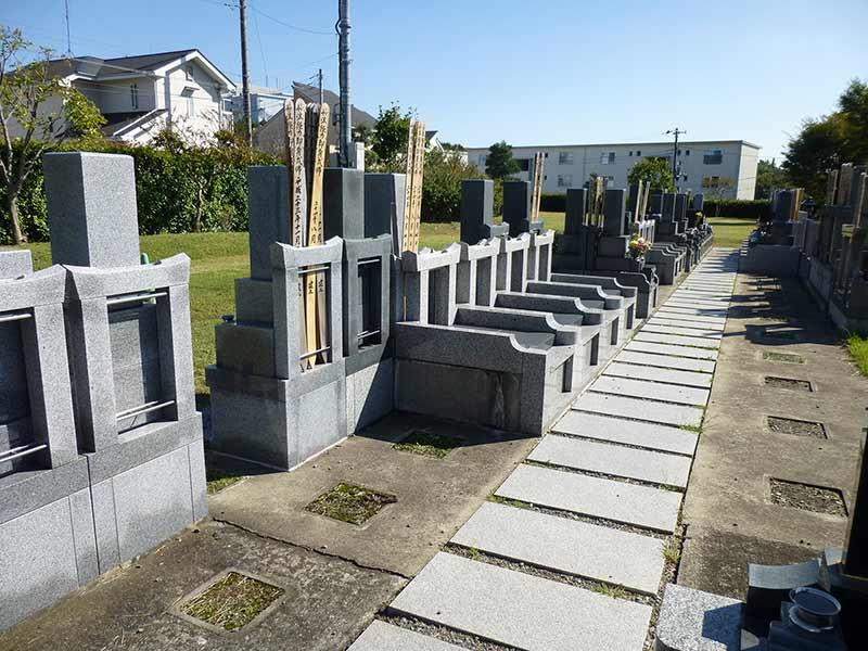 妙蓮寺 和型墓石