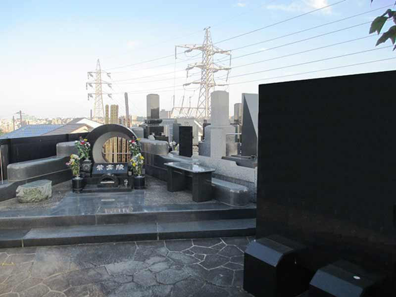 清水ヶ丘霊園 高台にある供養墓
