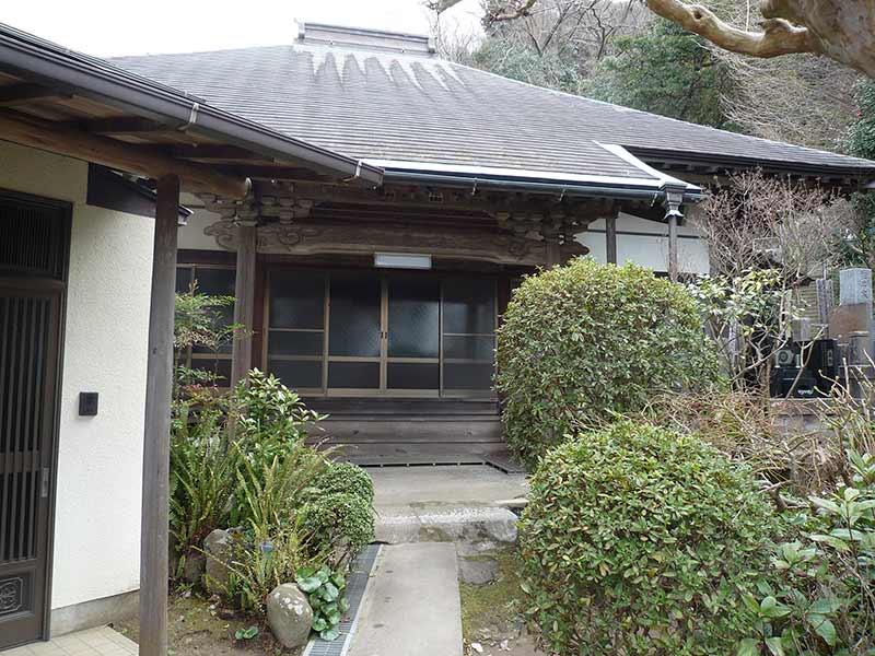 正覚寺 本堂入口