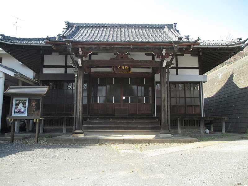 長泉寺 風情を感じられる本堂