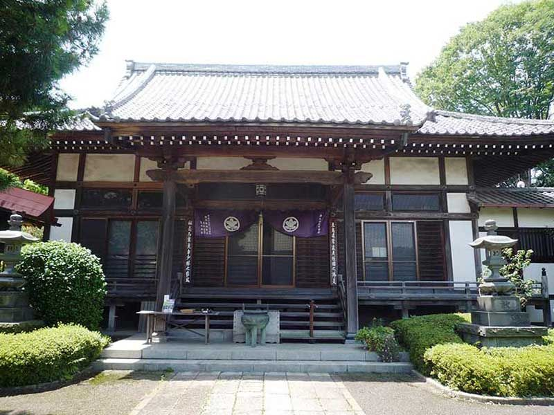 修廣寺 日当たりがよい本堂