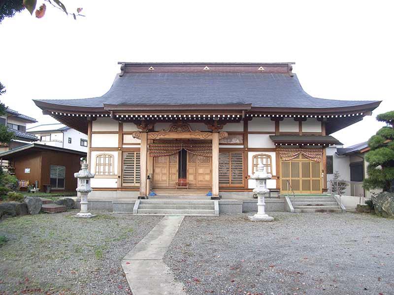 養徳寺 清潔感が溢れる本堂