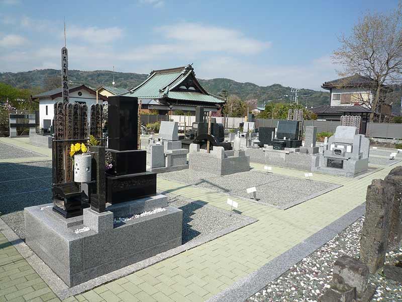 圓宗寺 区画整備された墓域