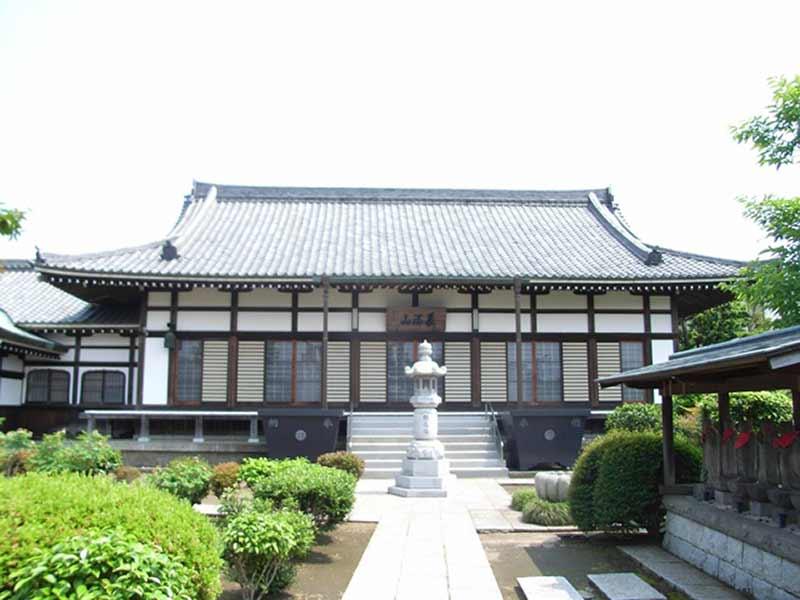 永明寺 清潔感が溢れる本堂
